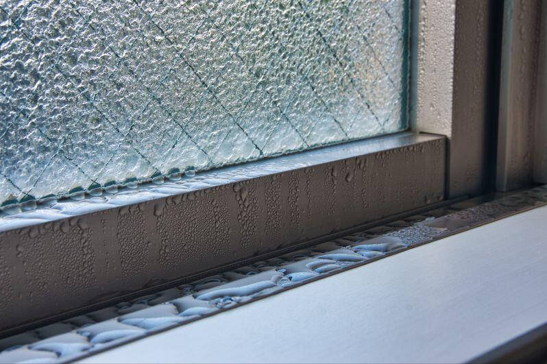 Garage-Window-Condensation